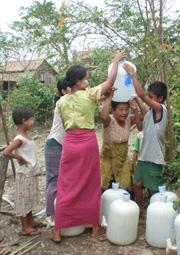 Cleandrinkingwater-onebottleperfamilyT_000